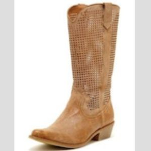 Coconuts by Matisse perforated cowboy boots 10